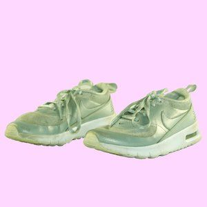 Nike trainers size 12C little girl or boy shoes VG